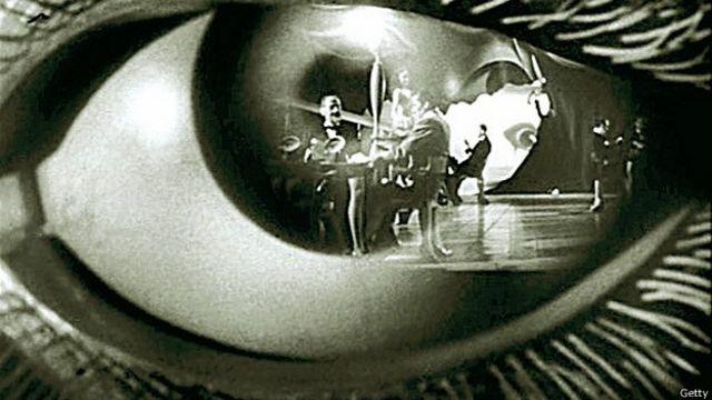 """Fotograma de """"Spellbound"""""""