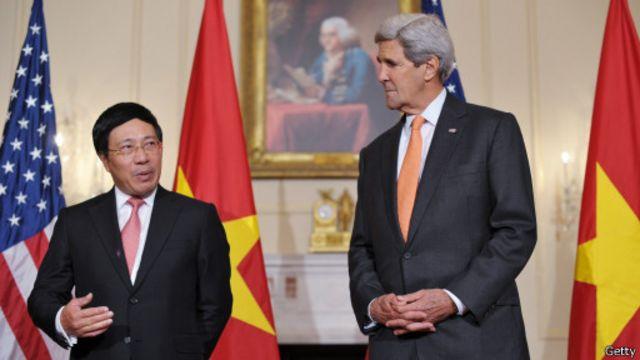 Bộ trưởng Ngoại giao Phạm Bình Minh đã đến thăm và có cuộc gặp gỡ với Ngoại trưởng Hoa Kỳ John Kerry tại Bộ Ngoại giao Mỹ, ngày 2/10/2014.