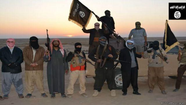 Imagen de militantes de Estado Islámico tomada de un video