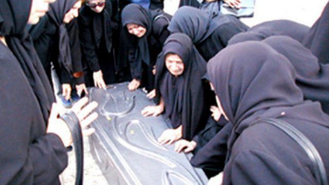 زهرا کاظمی در شیراز به خاک سپرده شده است
