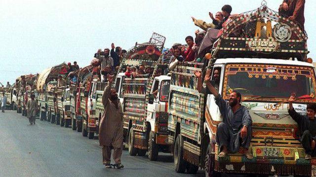 افغانستان هم اکنون حدود پنج میلیون مهاجر در پاکستان و ایران دارد