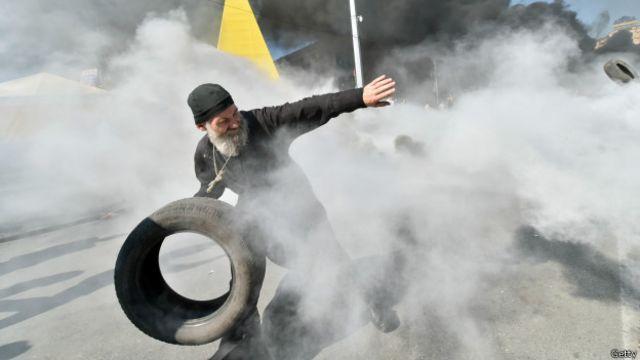 Священик під час Євромайдану