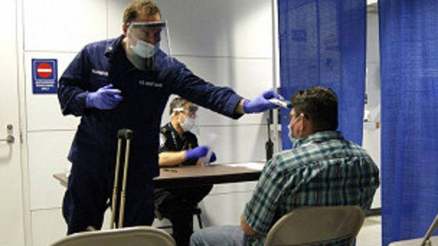 Msafiri kutoka Sierra Leone akaguliwa kama ana Ebola uwanja wa ndege wa Chicago, Marekani