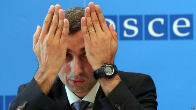 """Поль Пикар, исполняющий обязанности главы миссии наблюдателей на КПП """"Гуково"""", считает, что число наблюдателей нужно значительно увеличить"""