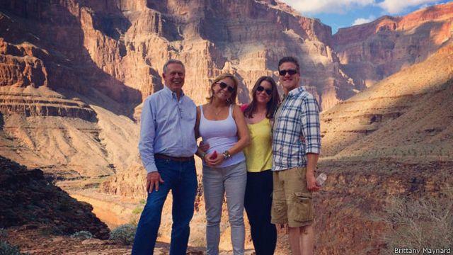 Maynard en el cañón del colorado con su familia