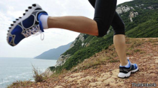 No es lo mismo correr en la montaña que sobre el asfalto.