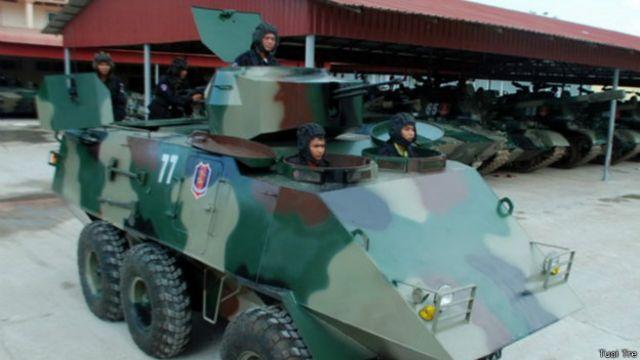 Xe bọc thép mà cha con ông Trần Quốc Hải đóng mới cho quân đội Campuchia