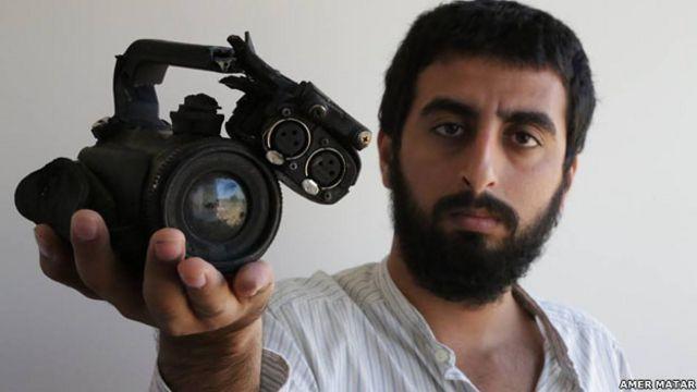 دوربین محمد مطر در دست برادرش عامر