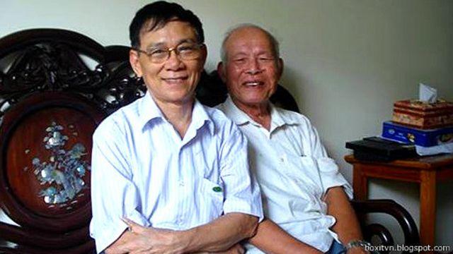 Luật sư Trần Lâm (phải)