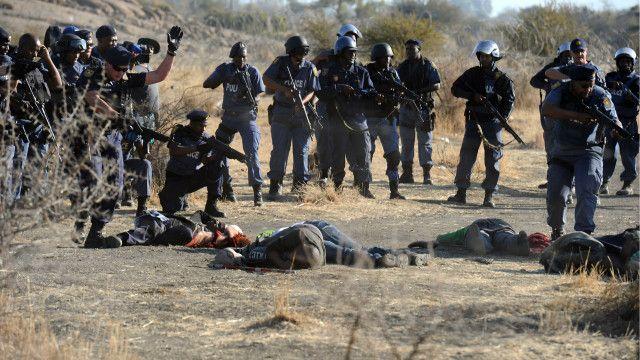 الشرطة خططت لتطويق المضربين بالأسلاك الشائكة وتجريدهم من الأسلحة.
