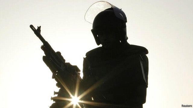 قالت المنظمة إن القانون يمهد لزيادة كبيرة في المحاكمات العسكرية للمدنيين