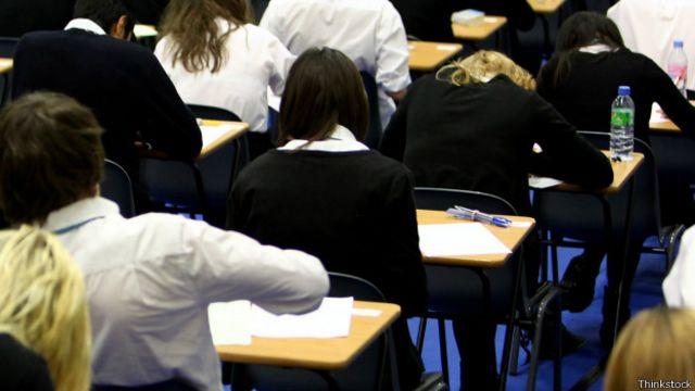 Na América Latina e no Brasil, perde-se 1 dia de aula por semana por conta do desperdício de tempo, diz Banco Mundial