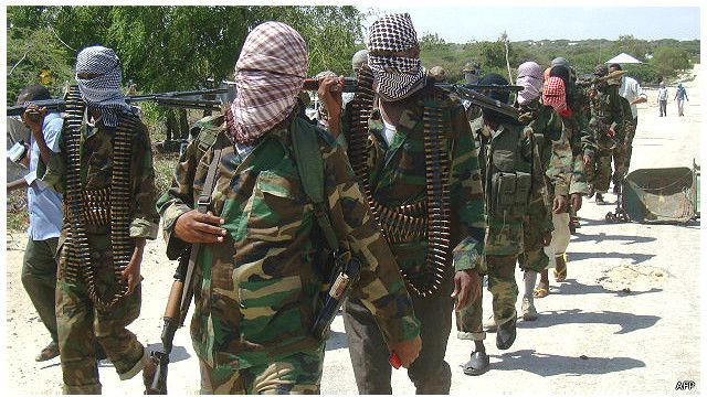Serangan di pusat pertambangan ini terjadi tidak lama setelah kelompok Al-Shahab menyerang sebuah bus yang menewaskan 28 orang dua pekan lalu