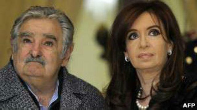 Mujica y Fernández.