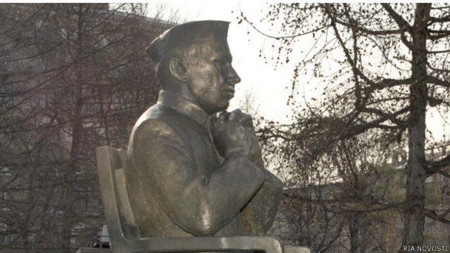Памятник Джавахарлалу Неру в Москве