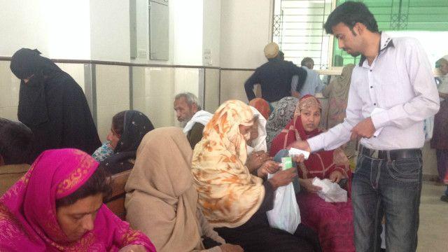 علاقے کے کچھ نجی ہسپتالوں میں نرسریاں موجود ہیں لیکن یہاں بچوں کے علاج پر اوسطاً  آٹھ ہزار روپے روزانہ خرچ آتا ہے اور اتنی رقم ادا کرنا اکثریتی آبادی کے بس سے باہر ہے