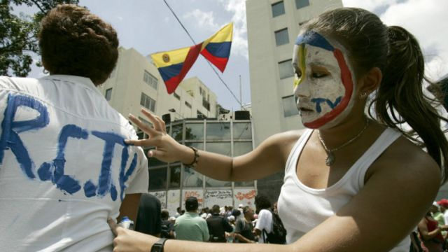 Suspensão do sinal aberto da RCTV provou protestos na Venezuela