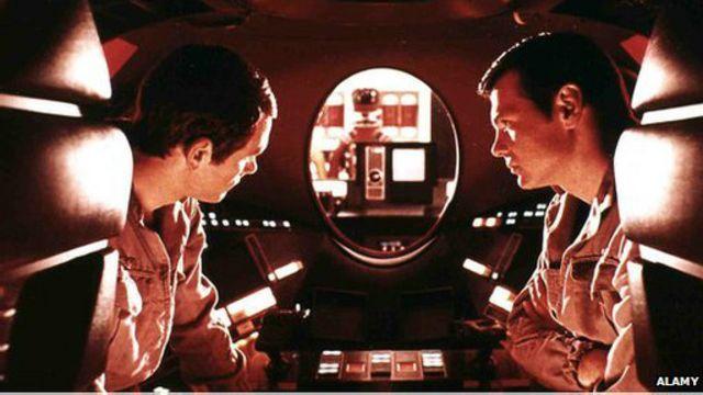 """В фильме Стэнли Кубрика """"2001 год: Космическая Одиссея"""" взбунтовавшийся компьютер ставит под угрозу жизни астронавтов"""