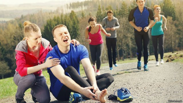 Es importante que las personas apliquen la técnica correcta para evitar lesiones a la hora de correr.
