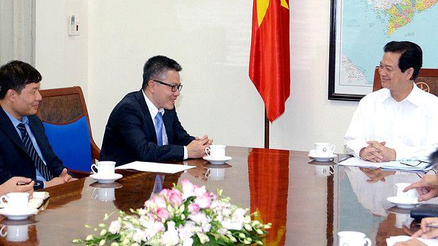 GS Ngô Bảo Châu và nhóm Đối thoại Giáo dục trong một cuộc tiếp xúc với Thủ tướng Nguyễn Tấn Dũng tháng 7/2014