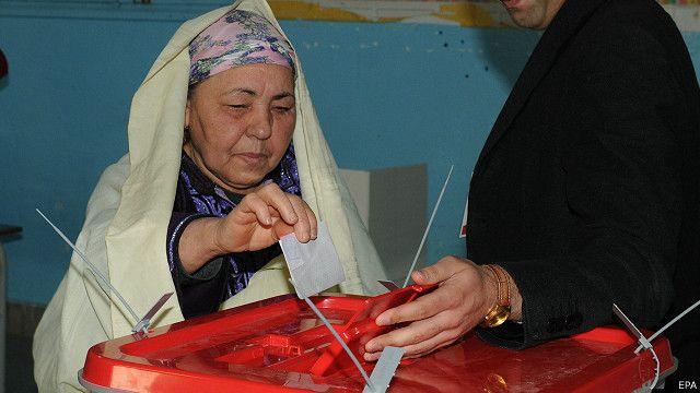 Raia wa tunisia wapiga kura ya kumchagua rais mpya wa taifa hilo tangu kuondolewa kwa Abedinne Ben Ali