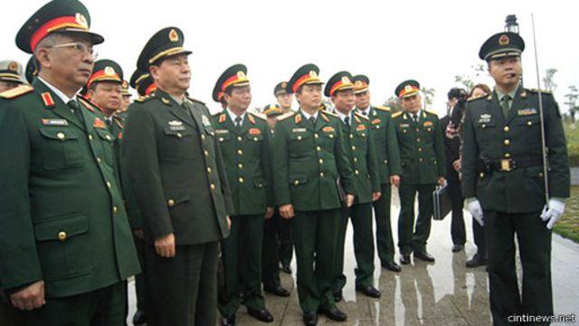 Tướng lĩnh Việt Nam thăm Trung Quốc