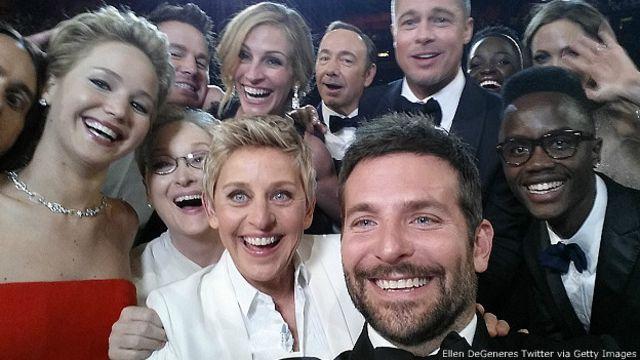 """""""Usie"""" o selfie en grupo durante la 86 celebración de los Oscar"""