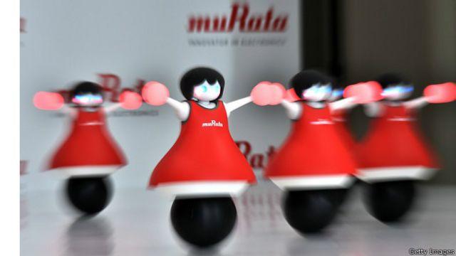 رقص گروهی رباتهای رقصنده