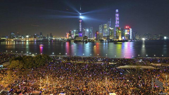 На месте новогодней давки в Шанхае