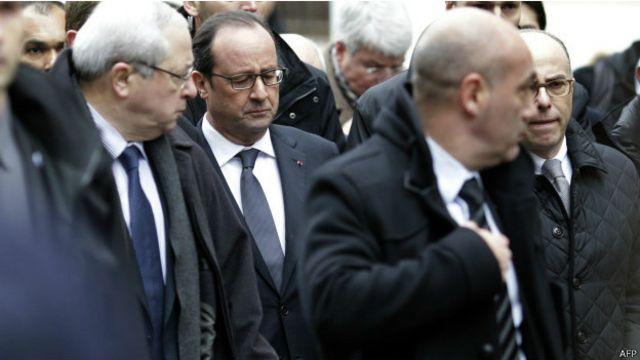 رئیسجمهور فرانسه کمی بعد از حمله از دفتر مجله شارلی ابدو بازدید کرد