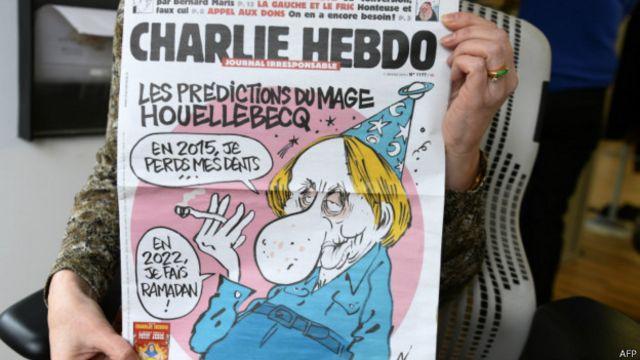 Romance de Michel Houellebecq chegou às livrarias nesta quarta-feira e foi tema da última edição do 'Charlie Hebdo'