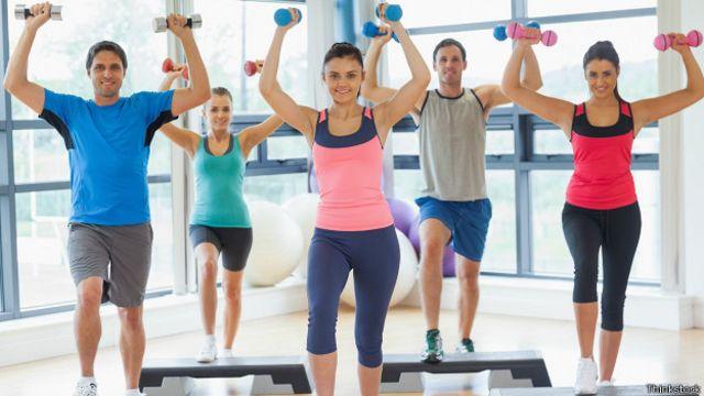 Los fabricantes de ropa deportiva tratan de satisfacer los gustos particulares de los diferentes clientes.