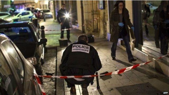 Полиция осматривает место происшествия