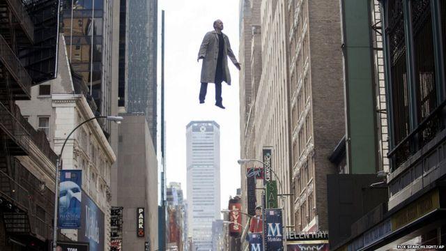 """Майкл Китон в роли Риггана Томсона. Кадр из фильма """"Бёрдмэн"""""""