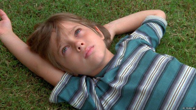 """Эллар Колтрейн в возрасте шести лет в кадре из фильма """"Отрочество"""""""