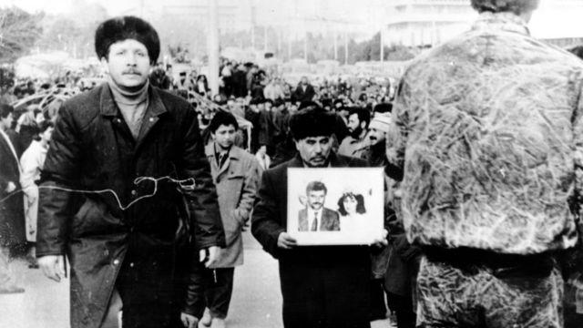 22 yanvar 1990 - 20 Yanvar faciəsinin qurbanlarının dəfn mərasimi
