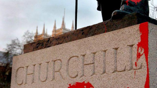 Los hay muy críticos con la figura de Churchill.