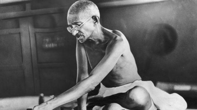 """""""Gandhi no debería ser liberado por la simple amenaza del ayuno"""", dijo a su gabinete en una ocasión."""