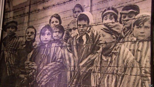 کہا جاتا ہے کہ اس میں لاکھوں لوگوں کو ہلاک کر دیا گیا تھا جن میں بیشتر یہودی تھے