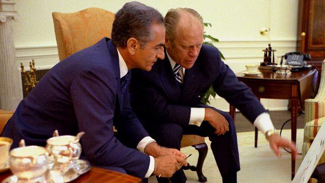کاتم به شدت مخالف سیاست رابطه نزدیک و حمایت همه جانبه از محمد رضاه شاه پهلوی بود