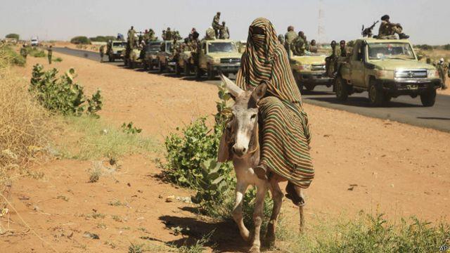 """اعترفت الحكومة السودانية بأنها حشدت ميليشيات """"قوات الدفاع الذاتي"""" بعد قيام المتمردين بهجماتهم"""