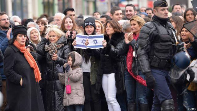 Manifestaciones en parís en apoyo a la comunidad judía