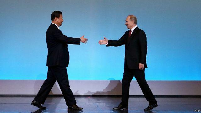 中國國家主席習近平下個月將到訪莫斯科,出席俄羅斯為紀念反法西斯戰爭勝利70週年舉行的大型閱兵式。