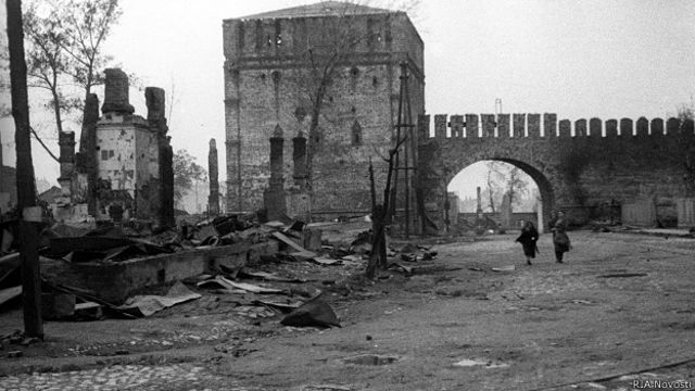 Вид Смоленска после освобождения советскими войсками в 1943 году