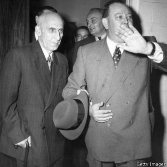 محمد مصدق و تریگو لی دبیرکل نروژی سازمان ملل متحد (پانزده اکتبر ۱۹۵۱)