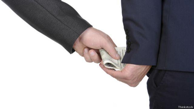 Uma das propostas sobre doações por empresas prevê que haja um teto baixo para essas transferências