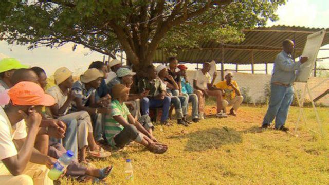 Dans le centre d'Oupa Segone, l'agriculture est au coeur de la réhabilitation