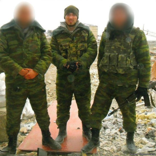 В ходе одного из боев Сапожников получил легкую контузию и был направлен на лечение