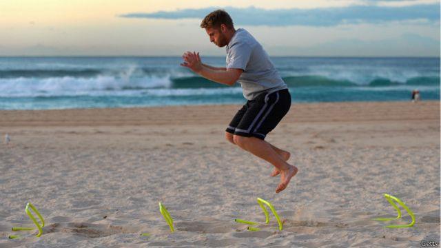 La idea es lograr los mayores beneficios de hacer ejercicio en el menor tiempo posible.
