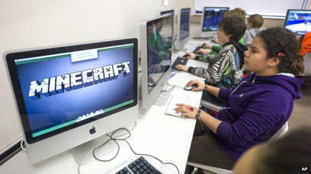 Escuelas como está en Alaska, EE.UU., están introduciendo a Minecraft en el salón de clases.